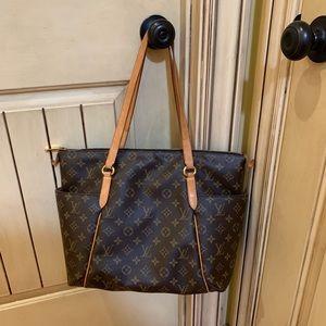 Louis Vuitton Totally MM